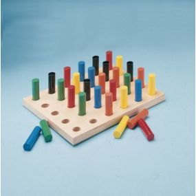 PEGBOARD WITH ROUNDS PEGS