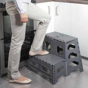 Folding 2-Step Stool