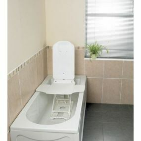 Bathmaster Deltis Heavy Duty Bathlift With Blue Covers