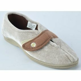 Amy - Wide Fitting Slippers  Size 4 (Beige)